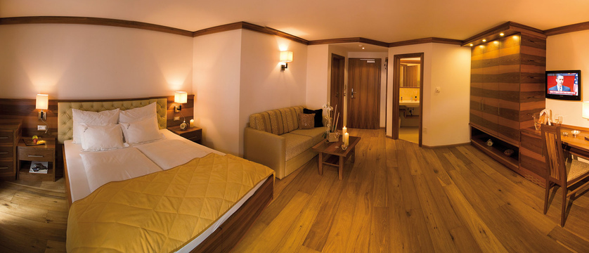 Hotel Sun Valley - Comfort Room.jpg